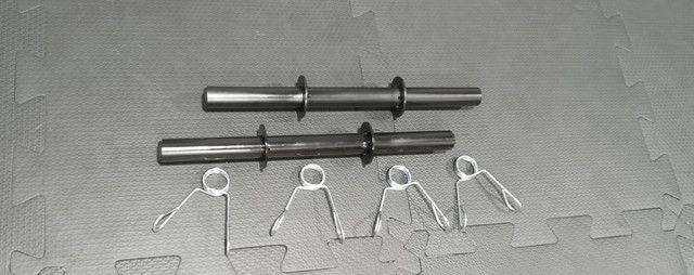 Par de halteres pintados 40 cm barra oca com presilhas - Foto 6