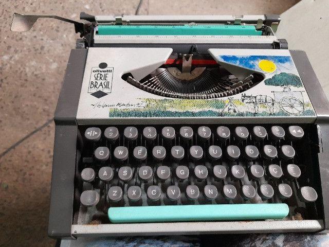 Máquina de escrever olivetti serie brasil 1992