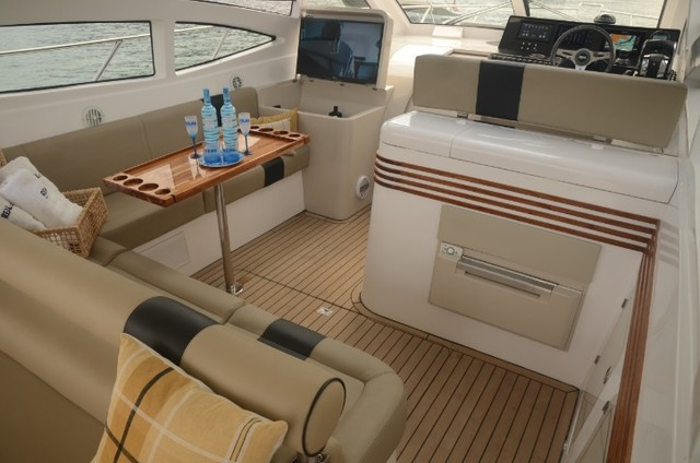 Real 40 HT Luxury Modelo 2021 - Real Powerboats - Gasolina / Diesel  - Foto 18
