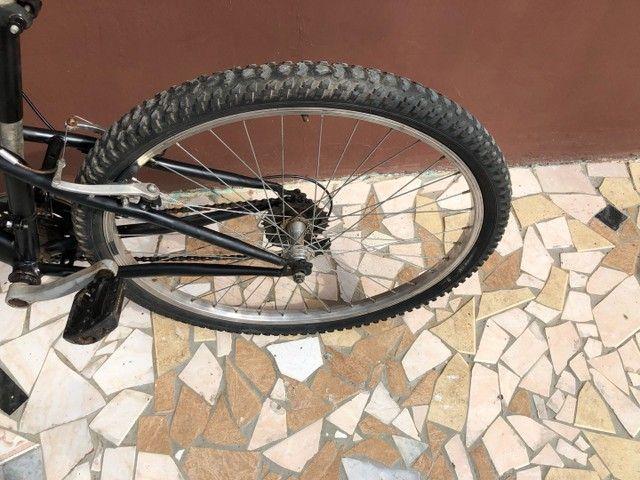 Vendo bicicleta Caloi aro 26  - Foto 6
