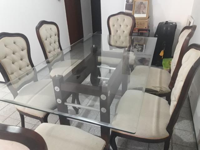 Conjunto Clássico De Mesa C/ Tampo De Vidro e 6 Cadeiras