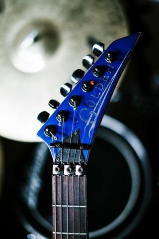 Guitarra Golden + Amplificador Crate - Foto 4