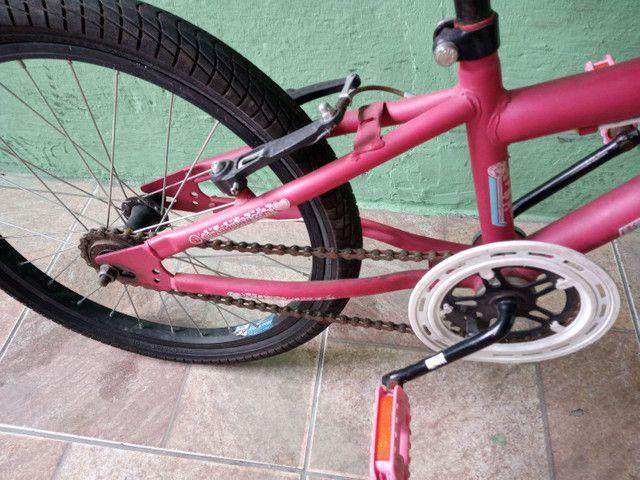 Bicicleta aro 20 rosa - Foto 2