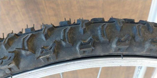 Bicicleta Aro 26 com capacete - Foto 2