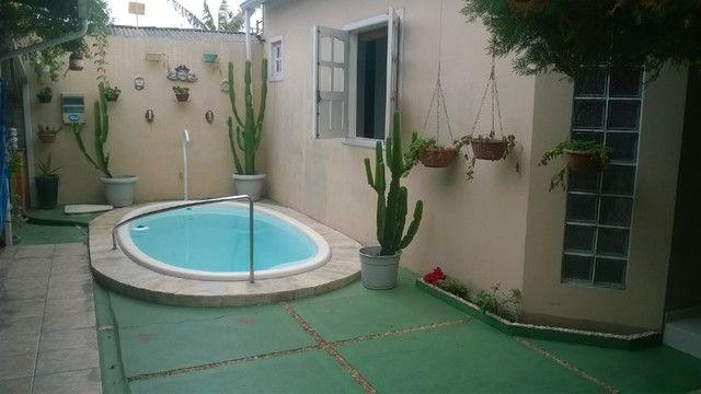 Vendo casa em Ananindeua com piscina e churrasqueira