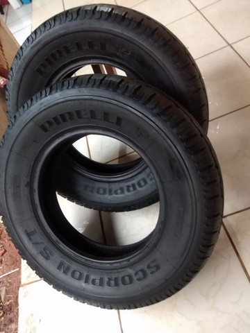 2 pneus aro 16 Pirelli Scorpion 215/80/16 - Foto 2