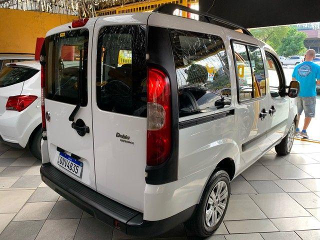 Fiat Doblò  Essence 1.8 16V (Flex) FLEX MANUAL - Foto 5