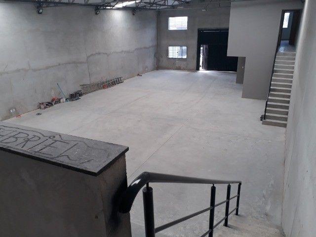 Alugo Particular Excelente Barracão com aprox 500 m² - Foto 9