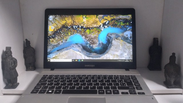 Notebook Samsung NP370E4KI 4GB 500GB HD (com Nota Fiscal)