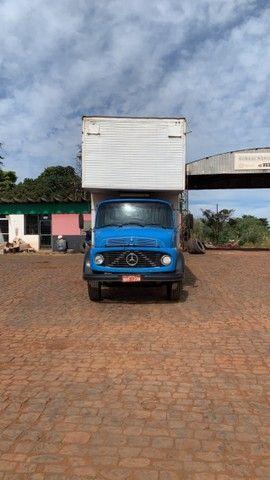 Caminhão bauzao 11.50