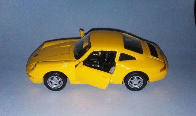 .'. Miniatura Porsche 911 Carrera - Maisto Escala 1:36 - Foto 2