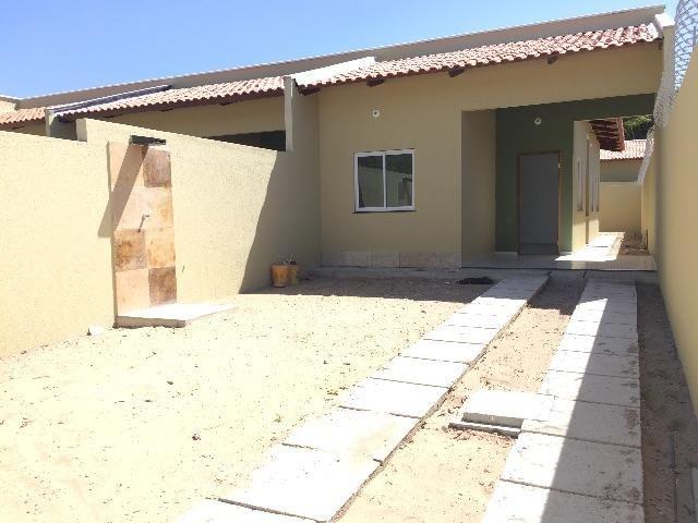 Casa nova 81 m2 em Aquiraz, 2 quartos e 2 banheiros ( próximo Eusébio )