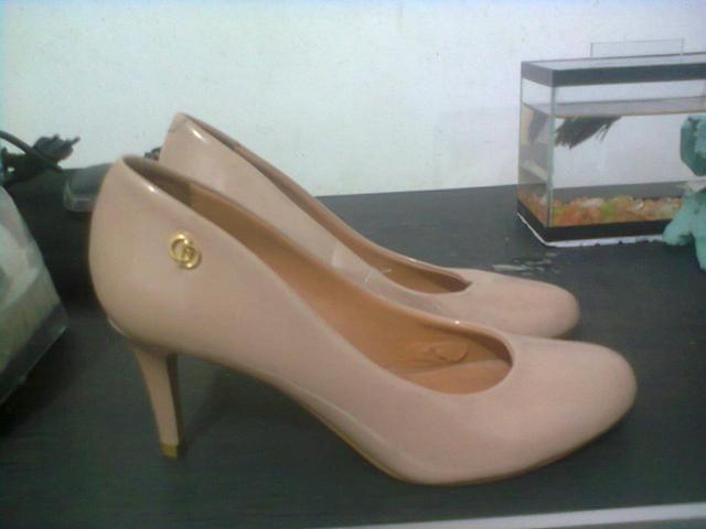 df548b5d1c4 Scarpin de grife semi novo Giulia Domna - Roupas e calçados ...