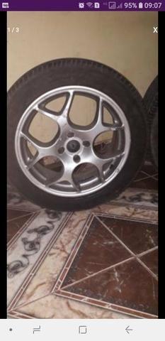 Pra vender logo rodas aro 17 com pneus