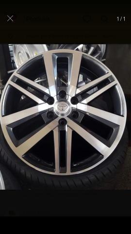 Rodas Toyota Hilux originais + pneus zeros