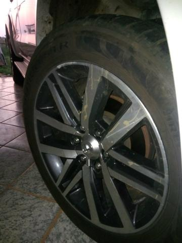 Rodas Toyota Hilux originais + pneus zeros - Foto 4