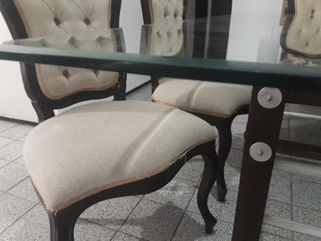 Conjunto Clássico De Mesa C/ Tampo De Vidro e 6 Cadeiras - Foto 3