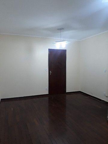 Alugo apartamento amplo 3 dorms. (1 suíte) no Botafogo - Foto 2