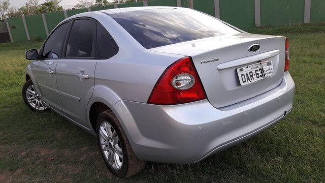 Focus sedan 1.6 8v Flex - Foto 2