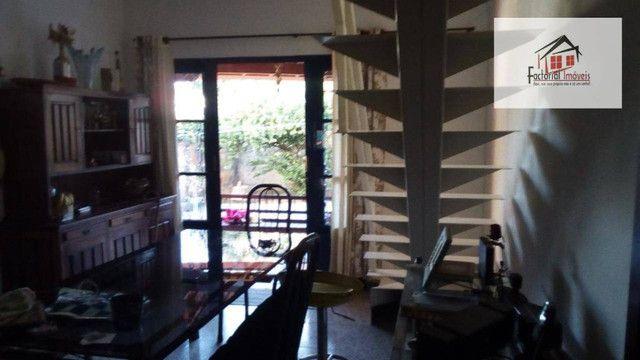 Vendo casa, 5 quartos, 1 suíte, 2 salas, quintal amplo. Bairro Coqueiros - Foto 12