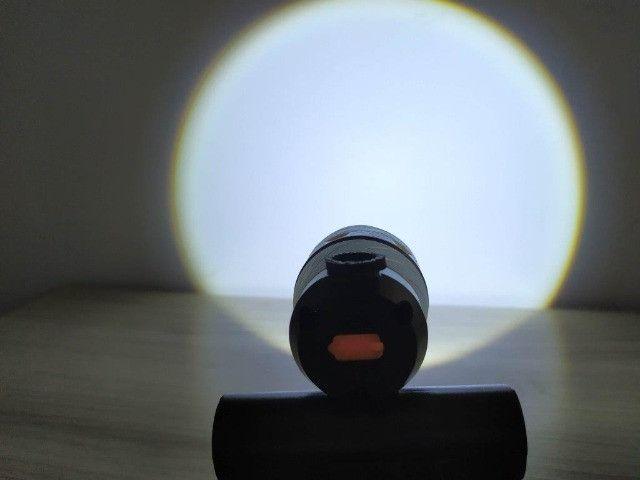 Lanterna De Bike - Recarregável - Foco ajustável - pisca - Foto 3