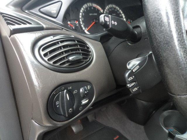 Focus Sedan Ghia 2005 - Foto 8
