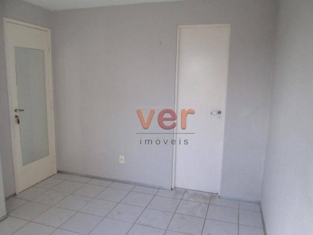 Apartamento para alugar, 62 m² por R$ 700,00/mês - Dias Macedo - Fortaleza/CE - Foto 20