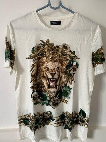 Camiseta branca estampada zara