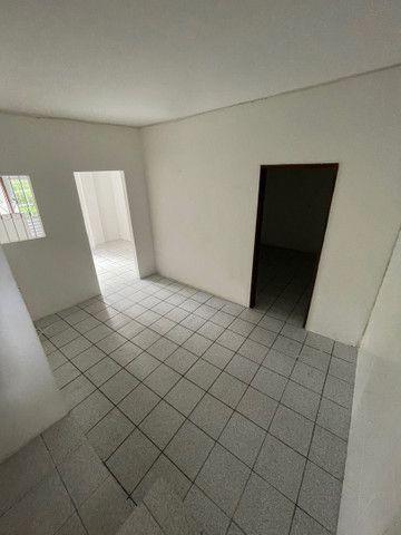 Dois quartos com quintal na Paralela  - Foto 6