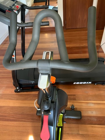 Bicicleta / bike de academia - Foto 5