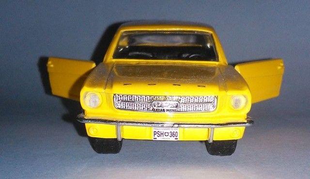 .'. Miniatura 64 Ford Mustang - Maisto Escala 1:39 - Foto 2