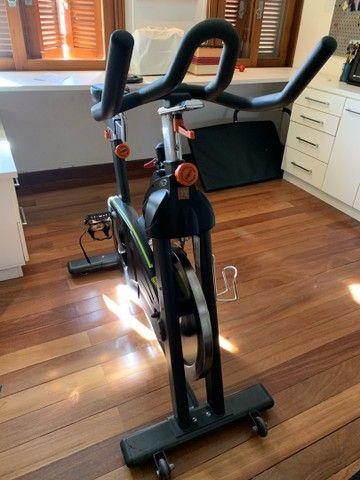 Bicicleta / bike de academia - Foto 3
