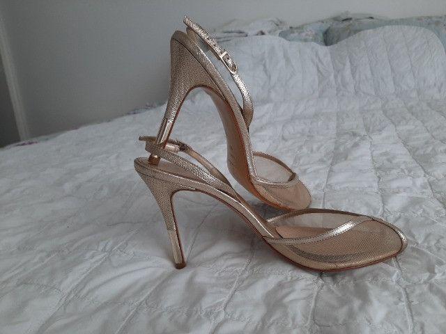 Sandália dourada Luxo - Foto 4