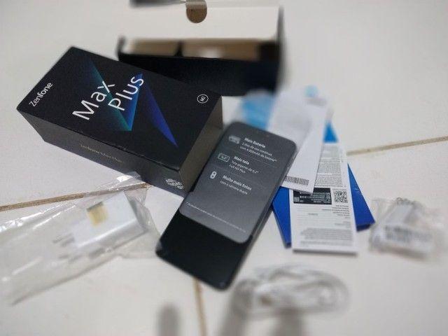 Smartphone Asus zenfone novo na caixa sem uso. 4G, 3G Ram, e 32 GB de memória