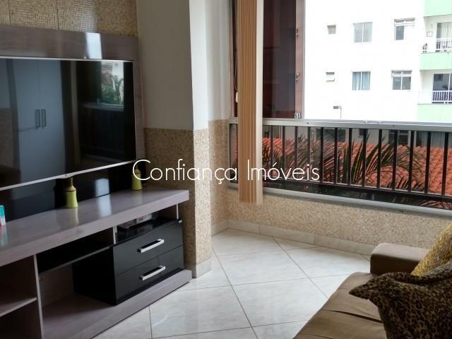 Em São Diogo, LINDO apartamento de 02 quartos reformado