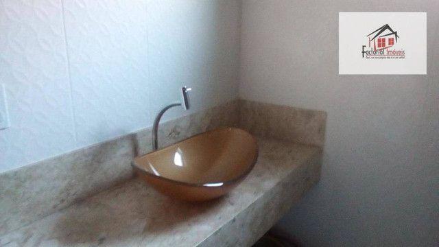 Vendo casa, 5 quartos, 1 suíte, 2 salas, quintal amplo. Bairro Coqueiros - Foto 8