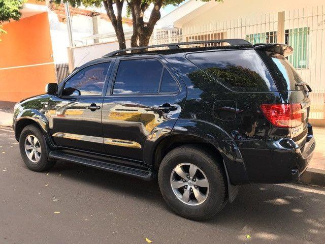 Hilux SW4 SRV 4x4 Diesel Aut - Foto 2