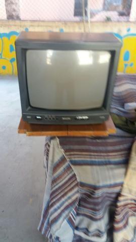 TV de 29 e 14 polegadas para tirar peças e desocupar lugar