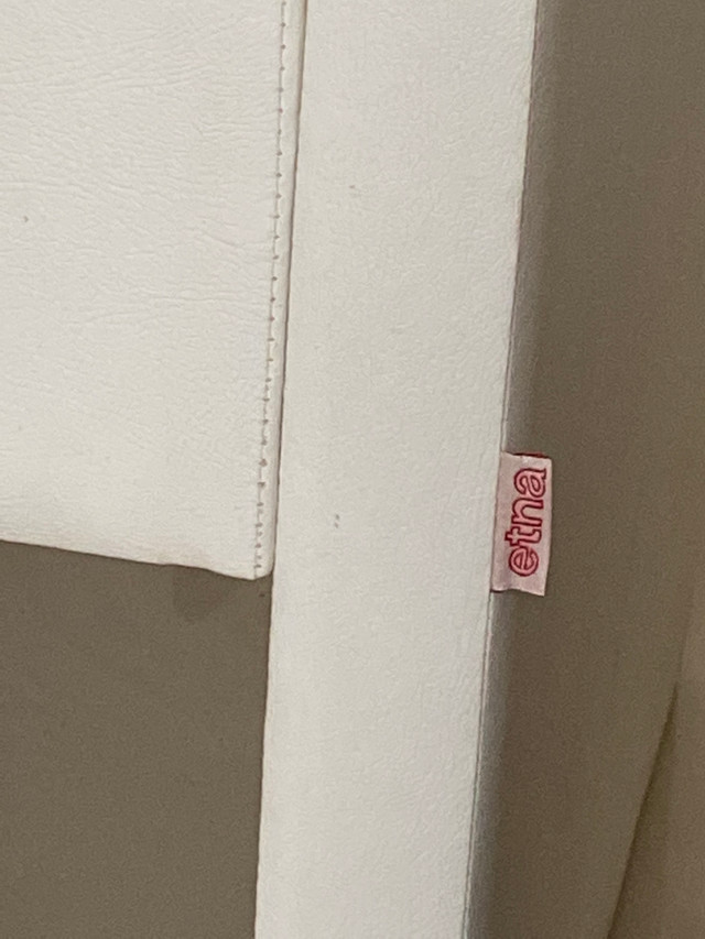 Poltrona ETNA - Cor Branca - Lindo produto - Foto 5