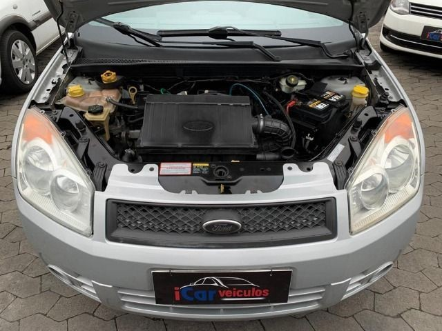 Ford Fiesta Sedan 1.6 Class 2010 Completo - Foto 5