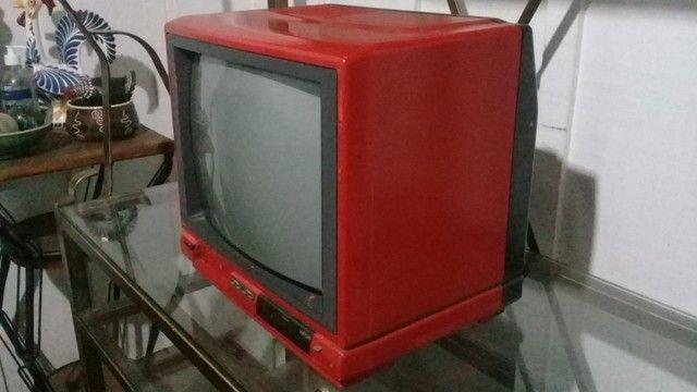 TV Antiga Retrô Vermelha Philips - Foto 4