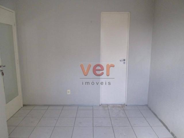Apartamento para alugar, 62 m² por R$ 700,00/mês - Dias Macedo - Fortaleza/CE - Foto 19