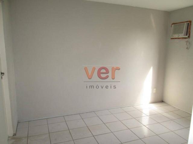 Apartamento para alugar, 62 m² por R$ 700,00/mês - Dias Macedo - Fortaleza/CE - Foto 17