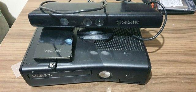 Xbox 360 queimado com acessórios