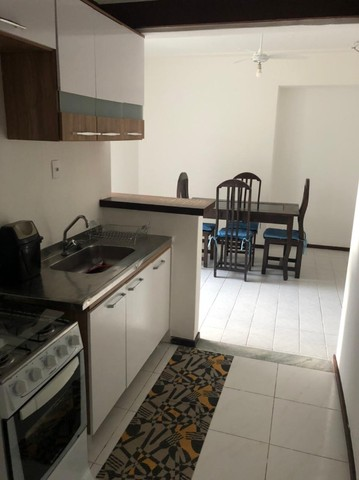 Apartamento Alto do Candeal 1/4, 2 banheiros e área de serviço  - Foto 4