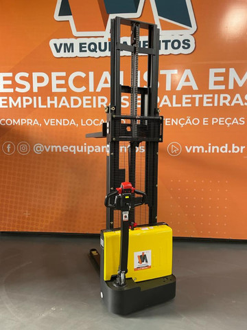 Empilhadeira Elétrica EP - EST122