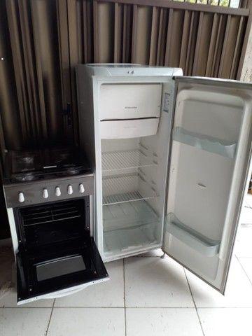 Geladeira Electrolux + fogão esmaltec  - Foto 3