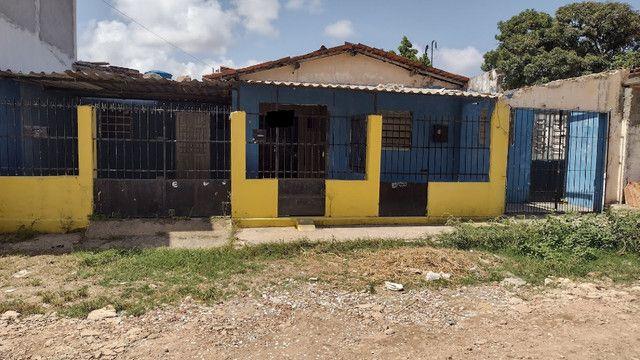 3 casas em ouro preto jatobá 1 bem pertinho da rua rua principal.