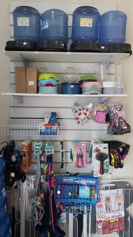 Móveis para comércio ou loja, Toldo e placa - Foto 3