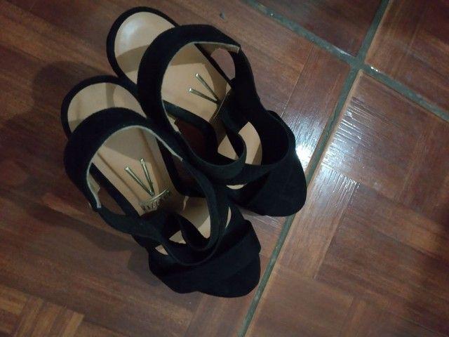Sandálias de salto  - Foto 4